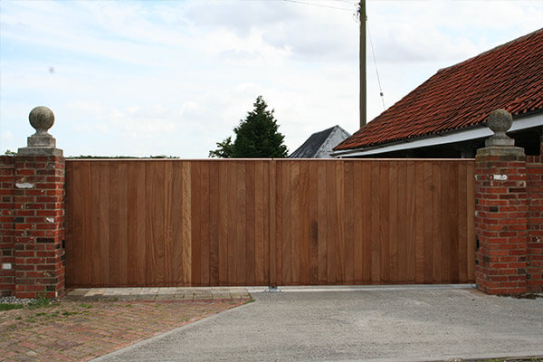 Timber Close Boarded - Simple Design