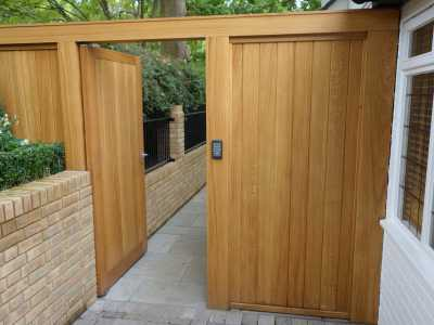 Timber electric gate with access control